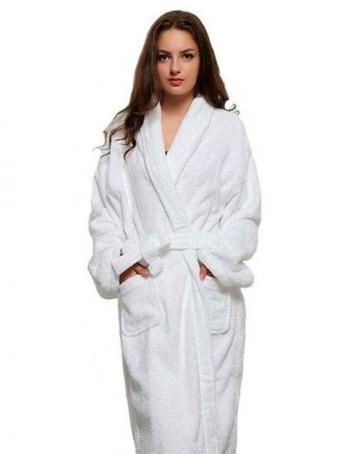 Женский белый махровый халат с вышивкой слов